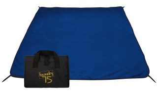 26244-water-resistant-picnic-blanket-w-stakes