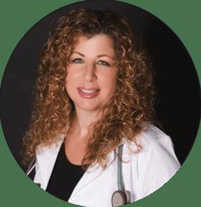 """Dr. Bonni Goldstein, vedoucí lékařka Canna-Centers Wellness & Education v kalifornském Lawndale; lékařské poradkyně serveru Weedmaps a autorka knihy """"Odhalené konopí."""""""
