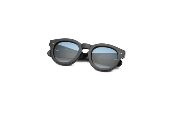 Black/Smokey Blue