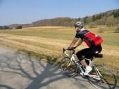 Mit dem Rennrad auf der alten Weldenbahn, hier ist Tempobolzen angesagt