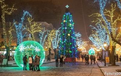 Новый год 2017 фото елок в городах Украины и ЛДНР