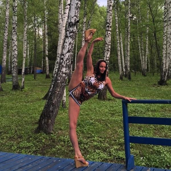 Волочкова показала шпагат на фоне крымских гор ...