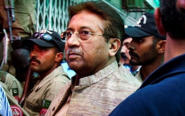 Экс-президента Пакистана Мушаррафа официально обвинили в ...