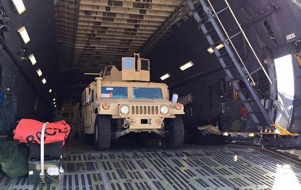 США передадут в Украину еще 100 бронеавтомобилей Humvee