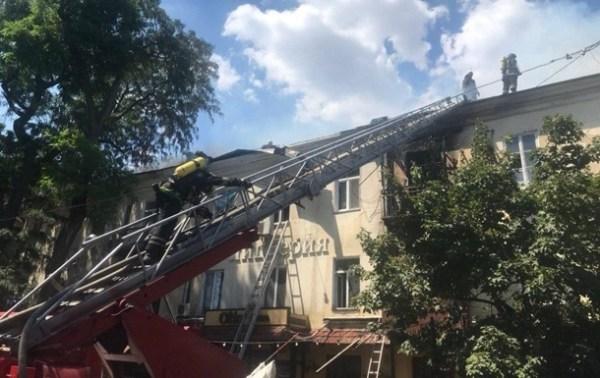 Спасатели озвучили возможную причину пожара в Одессе ...