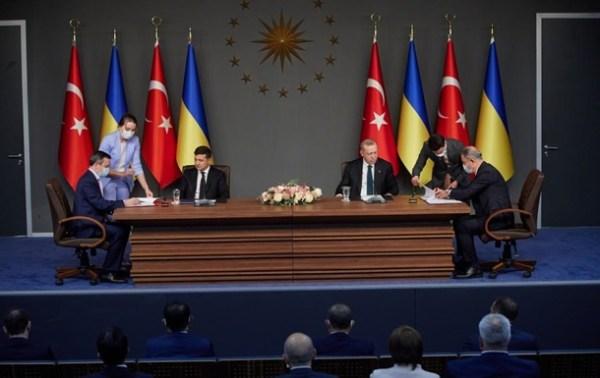 Появились детали военных договоров Украины и Турции ...
