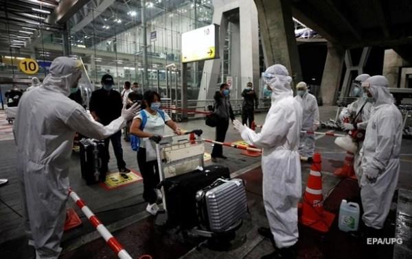 В аэропорту Шанхая были отменены все рейсы после COVID-19 ...