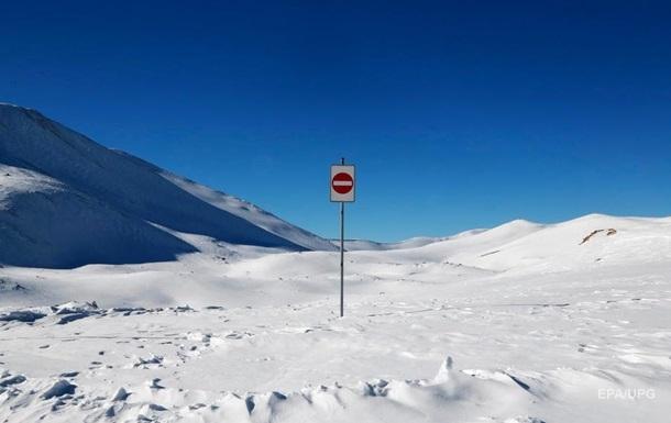Во Франции при сходе лавины погибли три лыжника