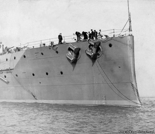 """Резултат с изображение за """"боеприпаси избухва британски военен кораб,"""""""""""