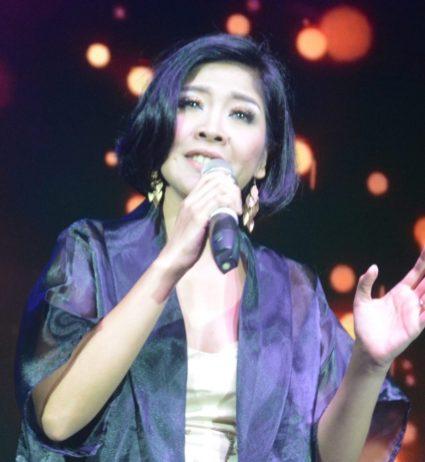 名歌星Nita客串秀。