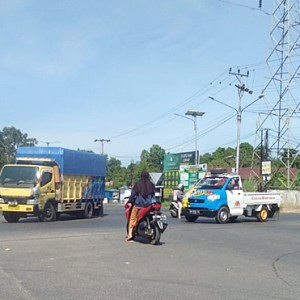 Pemerintah Tutup Mata, Traffic Light di Trikora Lama Tak Berfungsi Membuat Lalu Lintas Simpang Siur