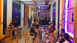 Eat Echantix Cafe & Resto beralamat di Jalan Pangeran Hidayatullah Banua Anyar Banjarmasin Utara