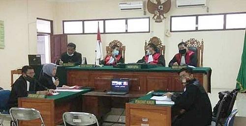 Sidang kasus pencabulan di Pengadilan Banjarmasin, Kalsel. (foto: ist)