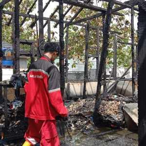 Jago Merah Kembali Melahap Sebuah Rumah di Banjarbaru, Rp 3,5 Juta Ikut Hangus Terbakar