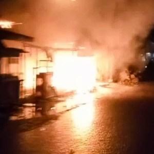 Kebakaran di Batola, Gara-gara Puntung Rokok 2 Kios Hangus di Alalak