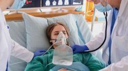 Ilustrasi pasien menggunakan alat bantu pernapasan. (Shutterstock)