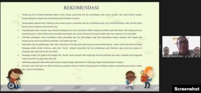 """Delapan rekomendasi dalam Kajian """"Perlindungan dan Pemenuhan Hak Anak di Papua"""" disampaikan dalam webinar """"Mengurai Kerumitan Perlindungan Anak di Papua. Harus mulai dari mana?"""", Selasa, 14 September 2021. (Foto: VOA)"""