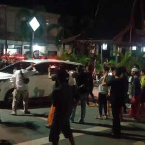 Hampir 9 Jam KPK Geledah Rumdin Bupati HSU, Angkut Berkas Tapi Keberadaan Bupati Wahid Jadi Teka Teki