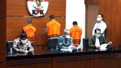Wakil Ketua KPK Alexander Marwata mengumumkan tiga tersangka korupsi pengadaan barang di HSU, Kalsel. Keterangan tersebut disampaikan di Gedung Merah Putih KPK, Kuningan, Jakarta Selatan, Kamis (16/9/2021). (Suara.com/Welly Hidayat)