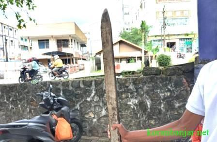 SENJATA – Senjata yang sering digunakan pada tawuran di Kota Banjarmasin.