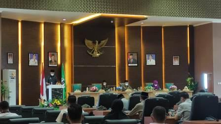 Rapat paripurna DPRD Kabupaten Batola. (foto : faqih)