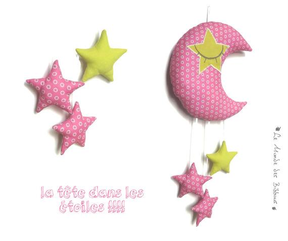 decoration chambre bebe lune endormie et ses etoiles en tissus rose et vert anis unique fait main original