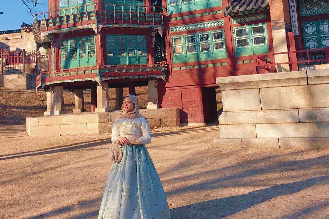 Hanbok Experience at Gyeongbukkung Palace