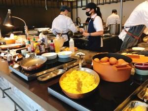 朝食ビュッフェ。エッグステーション