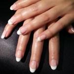 Miiyu Spa: French Manicure