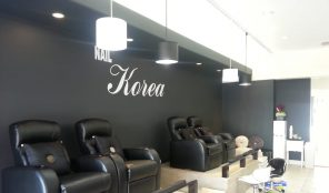 Korean nail salon in Koreatown
