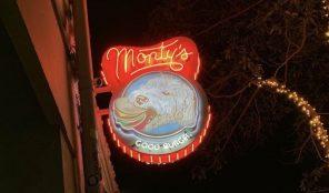 Monty's Good Burger restaurant