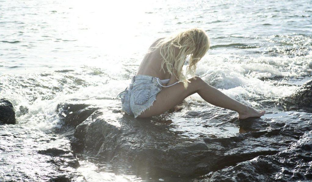 Sirena Mujer - Ricardo Hernandez