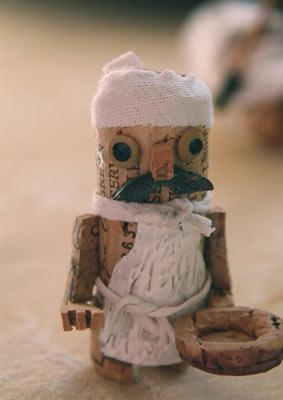 http://www.foodwoolf.com/2008/12/cork-sculptures-with-francesco-ferrario-2.html