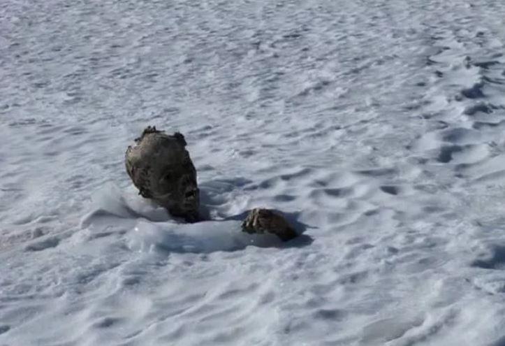 Найденных альпинистов трудно идентифицировать.