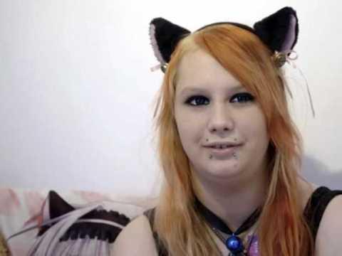 """Я родилась не в том теле"""": 20-летняя девушка-кошка из Норвегии."""