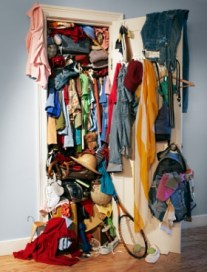 messy_closet