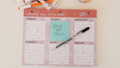 Gift for organized people: weekly desk note pad
