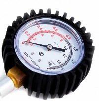 Les données les plus précises fournissent des diagnostics sur un moteur chauffé, qui est effectué dans l'ordre suivant: