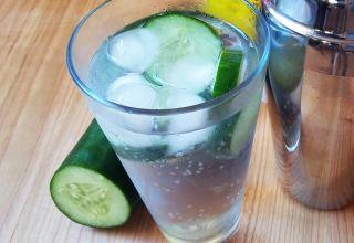 Gin z tonikiem i ogórkiem