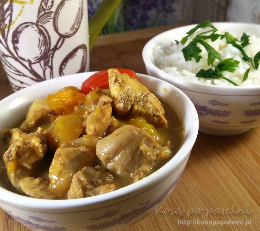 Curry z kurczaka i nektarynek