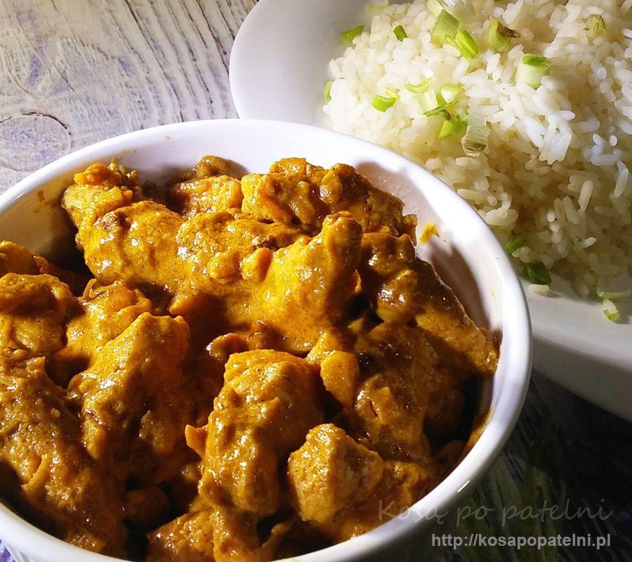 Kurczak curry w sosie śmietanowym