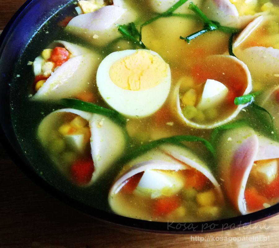 Szynka w galarecie z jajkiem i warzywami
