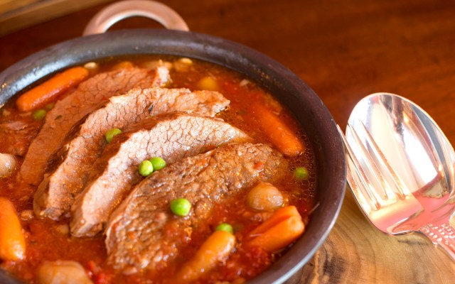 Pot Roast with Beer, Carrots & Onions
