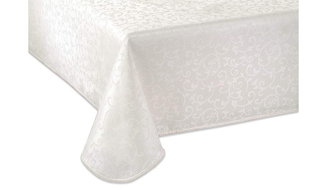 Amazon | GOOD DEAL: Lenox 60 x 102 Table Cloth