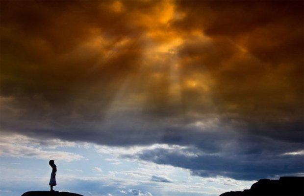 Ο Θεός εγκαταλείπει τον άνθρωπο;... Είναι δυνατό αυτό;