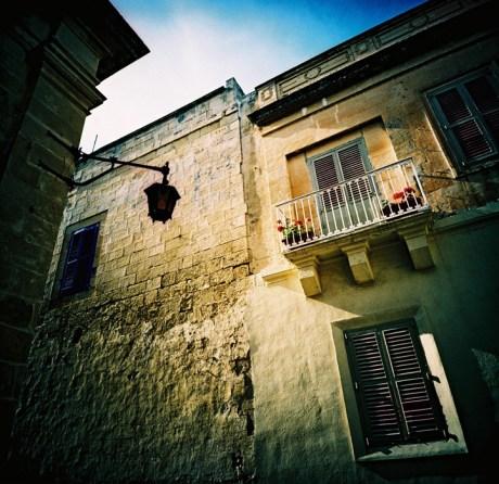 balcony_web