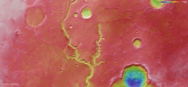 Topografická mapa oblasti Nirgal Vallis