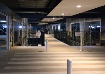 金城ふ頭駐車場03-横断歩道