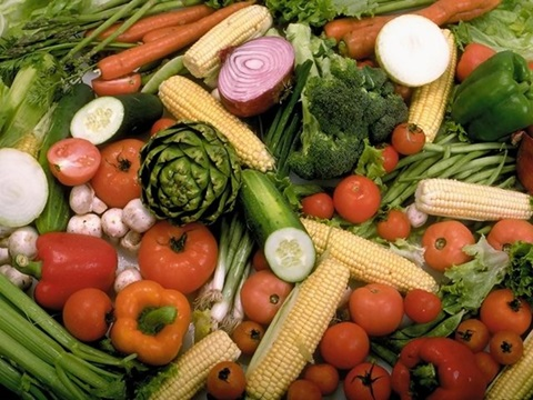 2768-a-display-of-mixed-fresh-vegetables-or