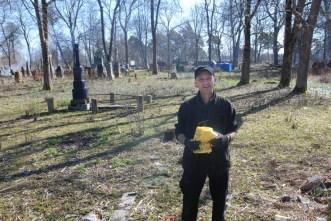 Zdjęcia z akcji sprzątania cmentarzy. Fot. Joanna Żurkowska
